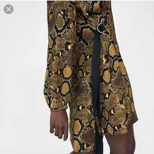 Zara Dresses - Zara snake animal print round neck bow waist dress